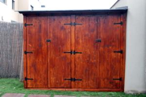 Caseta de madera con techo de teja y otras alternativas 1