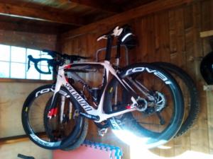 caseta de madera para meter bicis