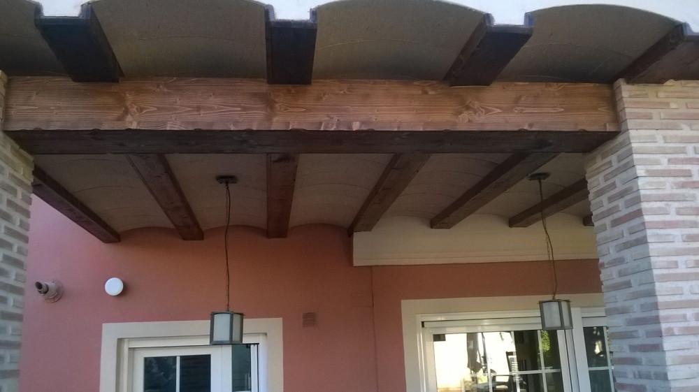 Falsas vigas de madera para techos materiales de - Vigas de madera para techos ...