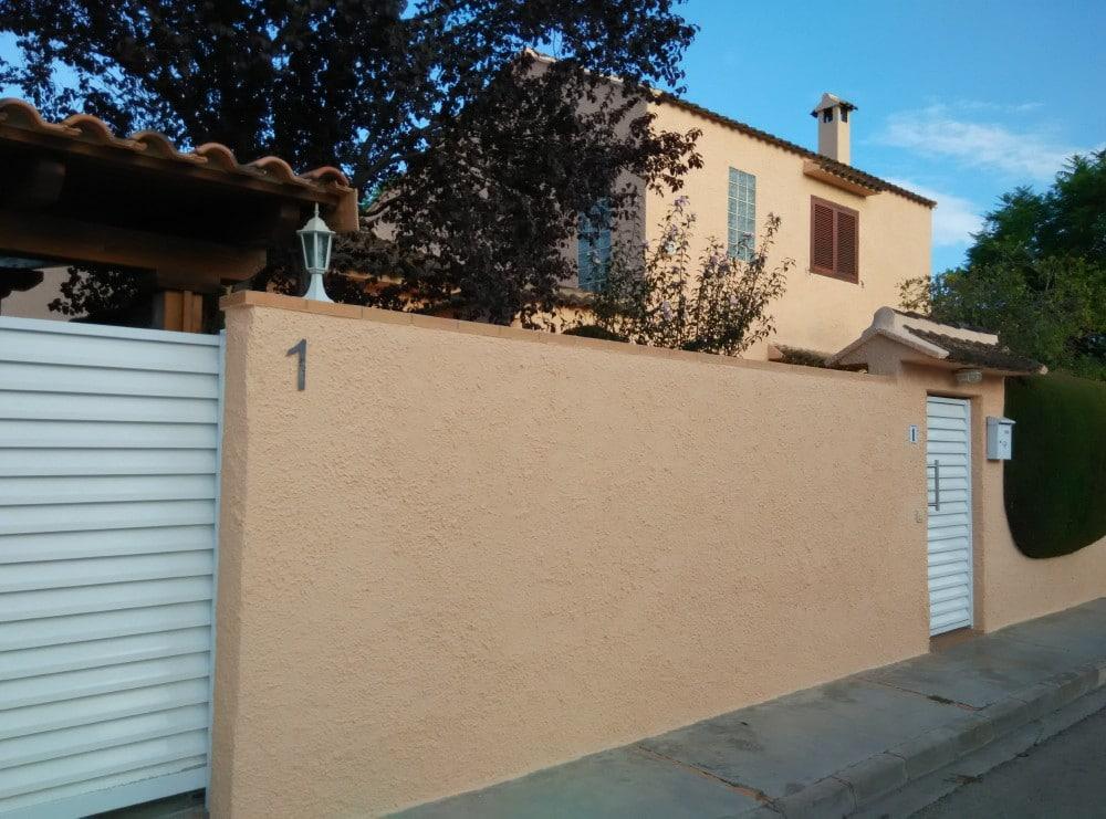 Revestimiento de fachadas candel madera y obra for Presupuesto pintar fachada chalet