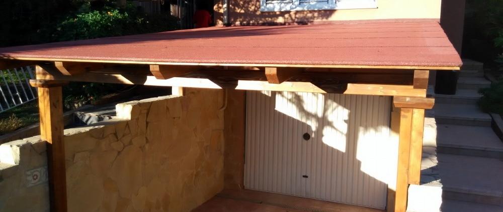 porche con tela asfaltica de color