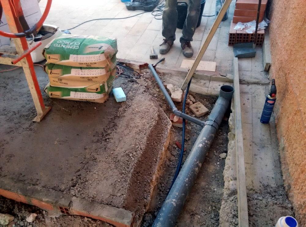 Instalación de tuberías de desagüe para el baño - Candel ...
