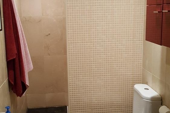 Reforma del plato de ducha en un baño