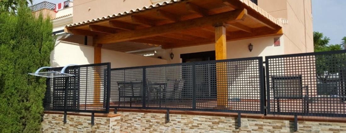 Porche de madera en adosado, San Antonio de Benageber
