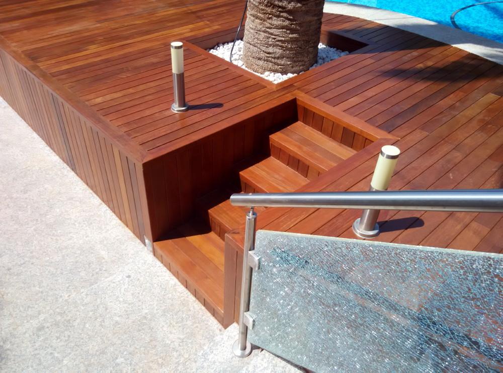 Detalle escalera realizada de Ipé.