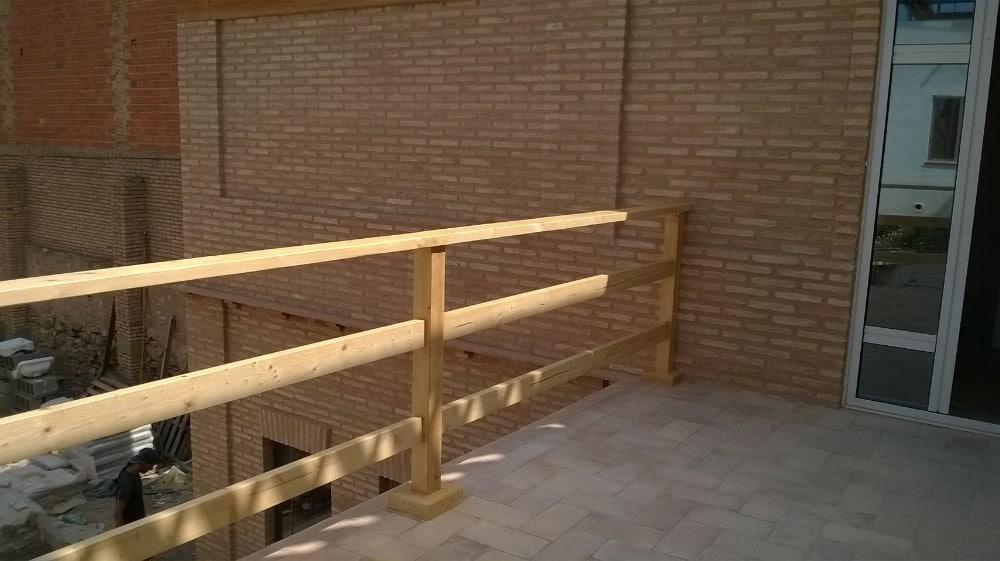 Vallas de madera rusticas beautiful vallas en madera - Vallas de madera tratada ...