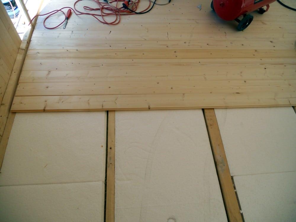 Suelo interior de tarima de pino candel madera y obra for Suelos madera interior