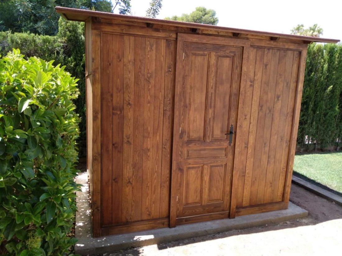 Caseta de jardín de madera.